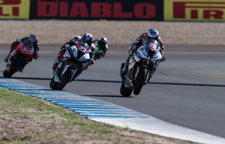 (EN) Wildcard rider Reiterberger takes victory in STK1000 at Jerez.